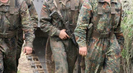 Verteidigung: Bericht: Bundeswehr weist 63 Bewerber ab - Sicherheitsbedenken