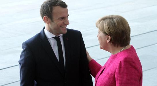 Frankreich Merkel Und Macron Unterzeichnen Vertrag Von Aachen