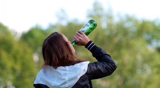 Bier und Schnaps sollten laut Suchtexperten teurer werden