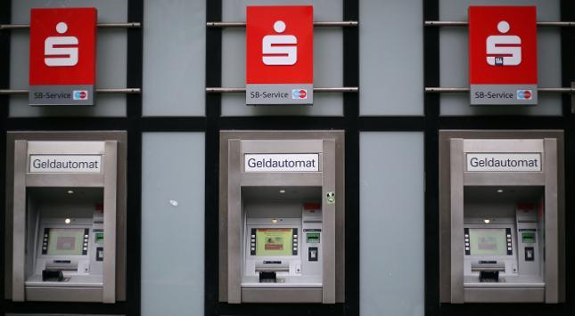 Verbraucherschützer klagen gegen Banken