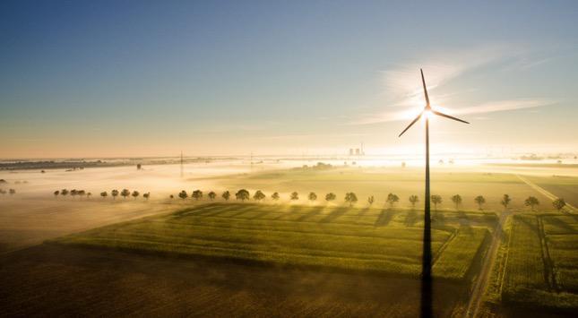 Gr-ne-Geldanlage-Sonne-Wind-und-Wasserstoff-Lohnt-sich-ein-gr-nes-Investment-Jetzt-in-die-neue-Folge-B-rsenfunk-reinh-ren-
