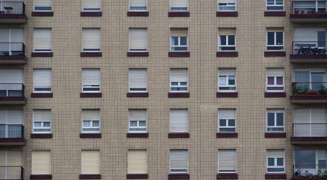 Immobilienpreise in großen Städten steigen viel stärker als verfügbare Einkommen