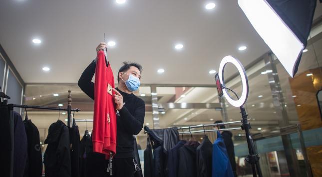 Global Fashion Group: Der heimliche SDAX-Star und Modehändler macht manche Experten skeptisch Gemischte Gefühle - wallstreet-online