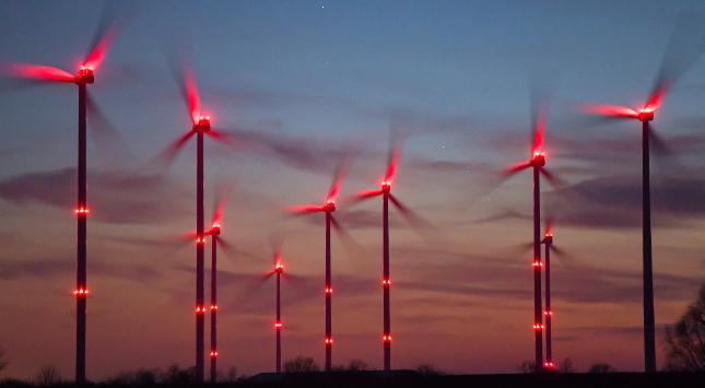 Das 'Erdöl der Zukunft'                     Mega-Wasserstoff-Projekt 'HyDeal': Grüner Wasserstoff aus Spanien für Europa – Profitieren Wasserstoffaktien?