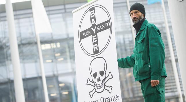 AKTIE IM FOKUS: Bayer-Aktie gerät erneut unter Druck - Klagen im Fokus