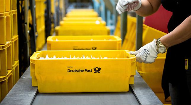 Aktie Im Fokus Deutsche Post Anleger Hoffen Auf Höheres Brief Porto
